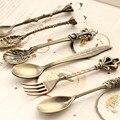 Cocina comedor y bar Nostálgico estilo real de la vendimia de bronce tallada ecológico pequeño café cuchara y tenedor pequeño para bocadillos dulces
