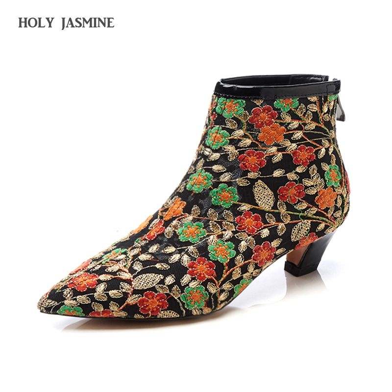 Fashion Lace Embroidered Flower Ankle Boots Women 2018 Autumn New Thick Heels Short Boots Zipper Martin