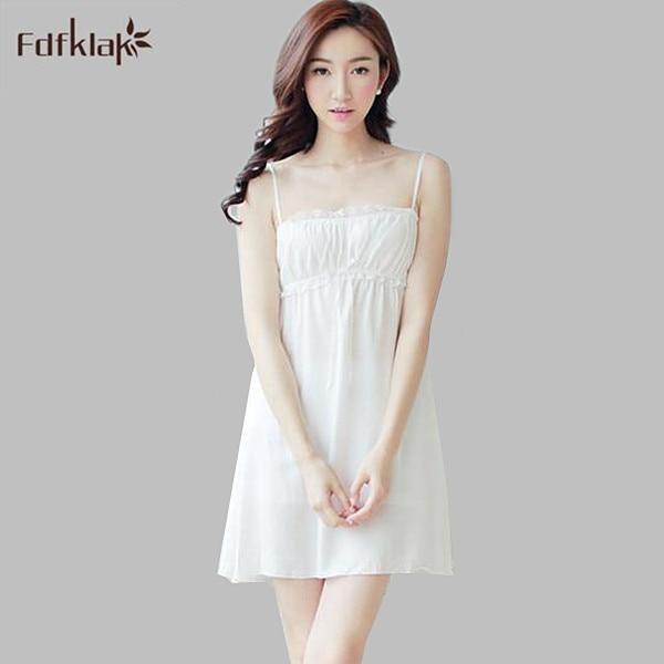 aeae1492bd5743 Sexy katoen zomer jurk mouwloze korte dames nightie strapless spaghetti  witte nachthemd nachthemden voor vrouwen A705 in Sexy katoen zomer jurk  mouwloze ...