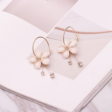 Women Small Fresh White Petal Circle Flower Shape Convenient Simple temperament Personality Crystal Earrings Jewelry
