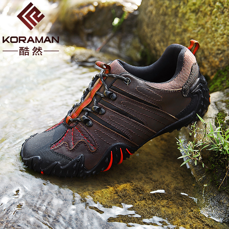 NEW 2020 Outdoor leisure mountaineering shoes Male paragraph spring autumn camping hiking shoes wear waterproof soft lace-up
