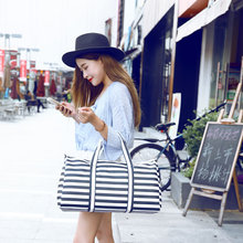 2016 Women Travel Bags Men & Lady Striped Tote Shoulder Travel Bag Portable Men Handbags Weekend Bag Women Waterproof Duffle Bag