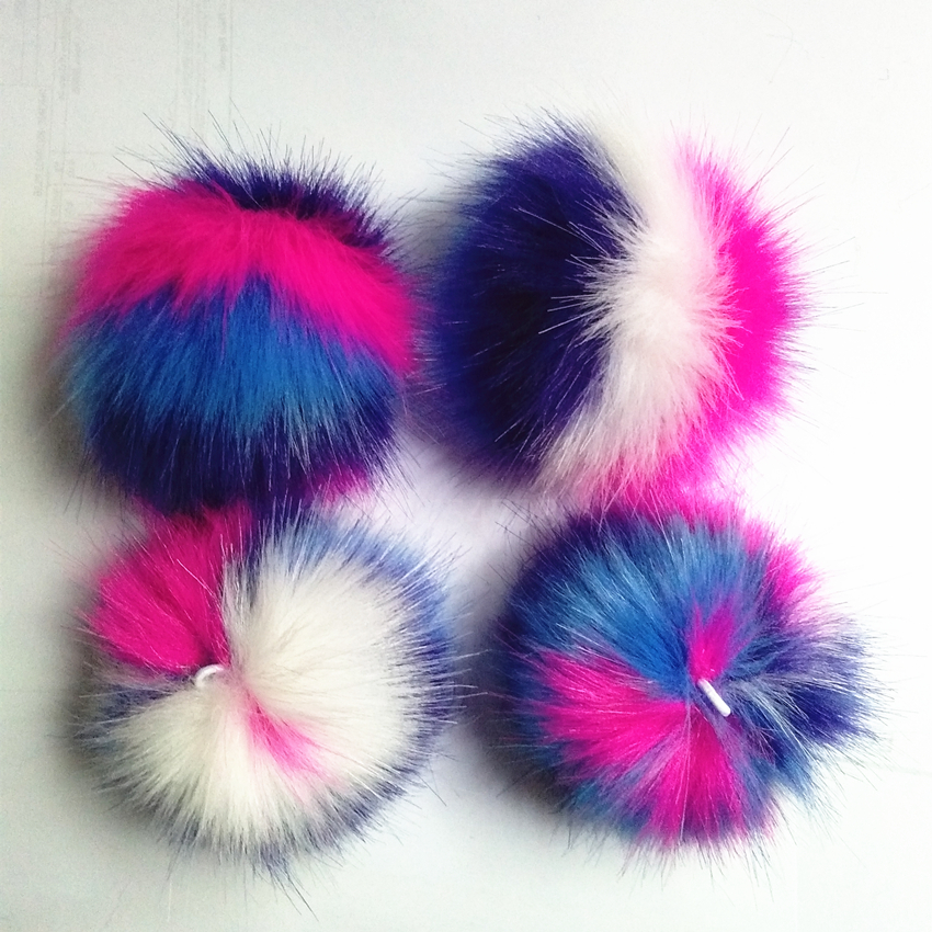 12 pcs/lot New Fashion Cute Assorted Colors Faux fur Pompons Colorful Handmad Pompom Jewelry Accessories Pendant Bag Chain12 pcs/lot New Fashion Cute Assorted Colors Faux fur Pompons Colorful Handmad Pompom Jewelry Accessories Pendant Bag Chain