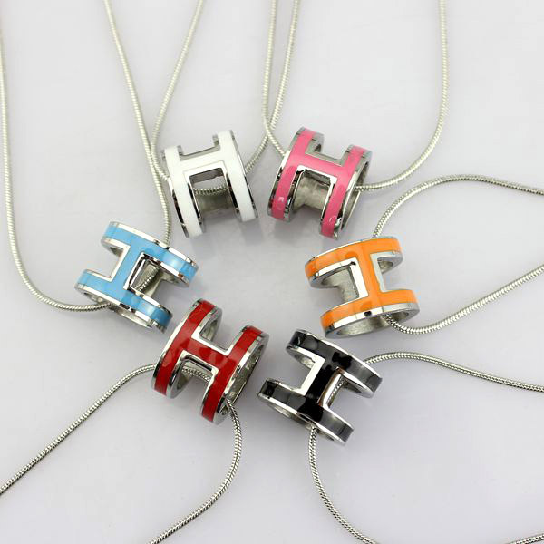high quality 316 stainless steel h letter pendant necklace for women (14)