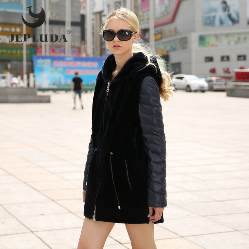 JEPLUDA New Fashion Winter Women Real Fur Coats Hooded Detachable Down Sleeves Sheep Shearing with Down Coat Warm Female Parka