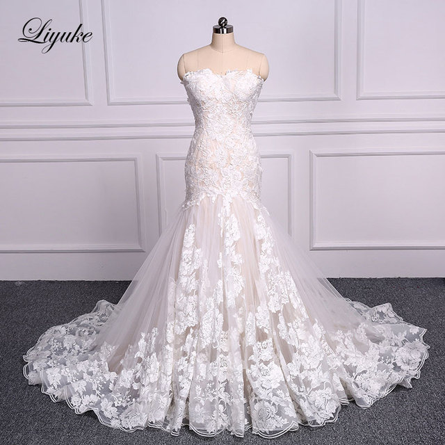 Liyuke Elegant Sweetheart Embroidery Appliques Lace Mermaid Wedding Dress Count Train Lace Up Sleeveless Trumpet Bride Dress