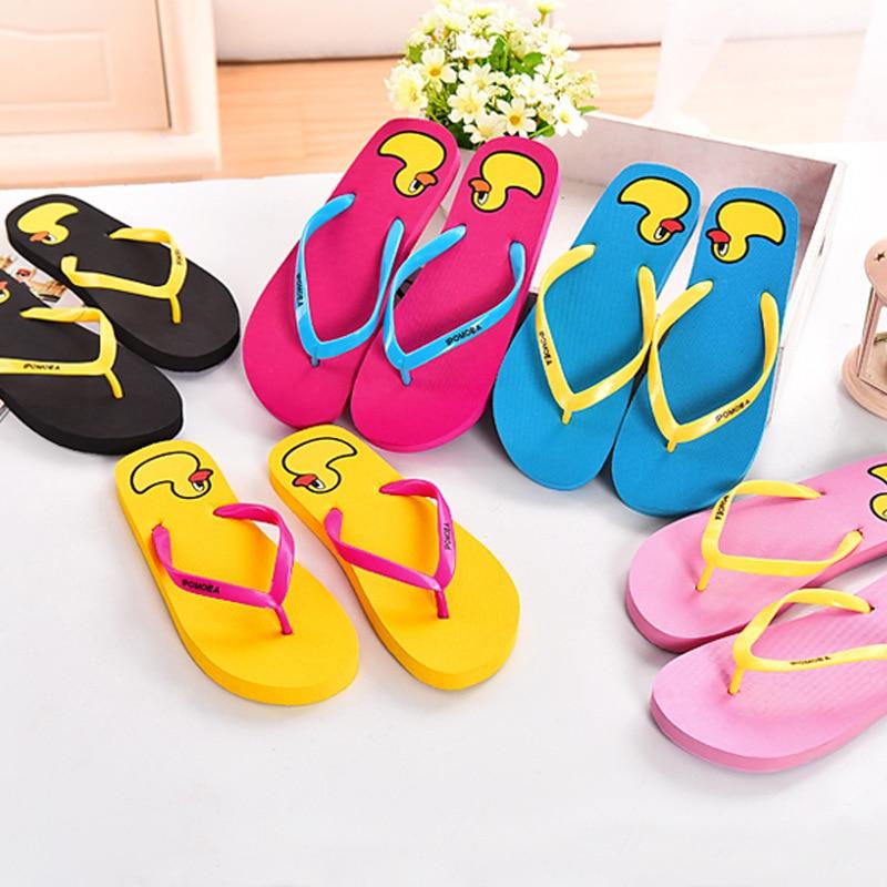 2017 New yellow duck women's flip flops  flat beach slippers 5 colors 35-40 дождевик yellow duck
