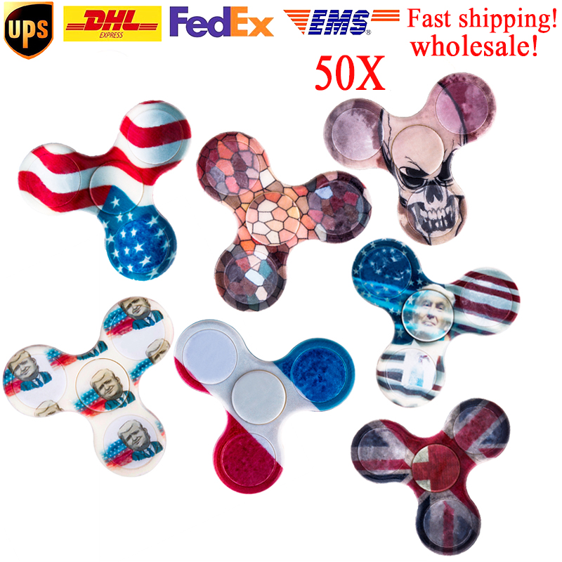 50pcs randomly mixed color free shipping top fidget spinner for grownups Release Pressure hand spinner plastic finger cube Toys