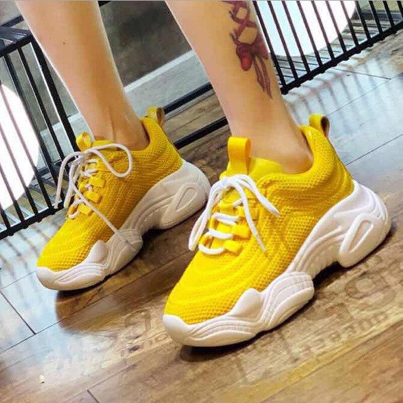 عارضة النساء أحذية رياضية العلامة التجارية الفاخرة أحذية الربيع الصيف جديد حار بيع سميكة وحيد السيدات حذاء أبيض مريحة تنفس-في أحذية نسائية من أحذية على  مجموعة 1
