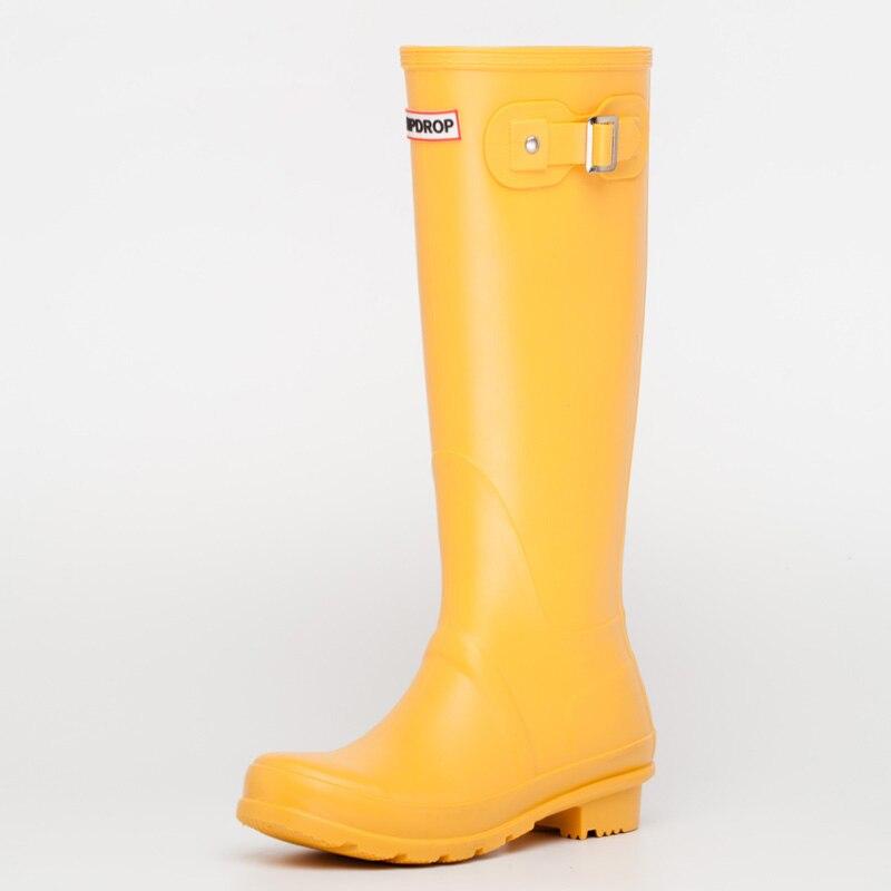 Nouveau chaud dames imperméable à l'eau bottes de pluie femme genou-haute mode femmes en caoutchouc bottes de pluie filles chaussures de pluie PVC chaussures de pluie