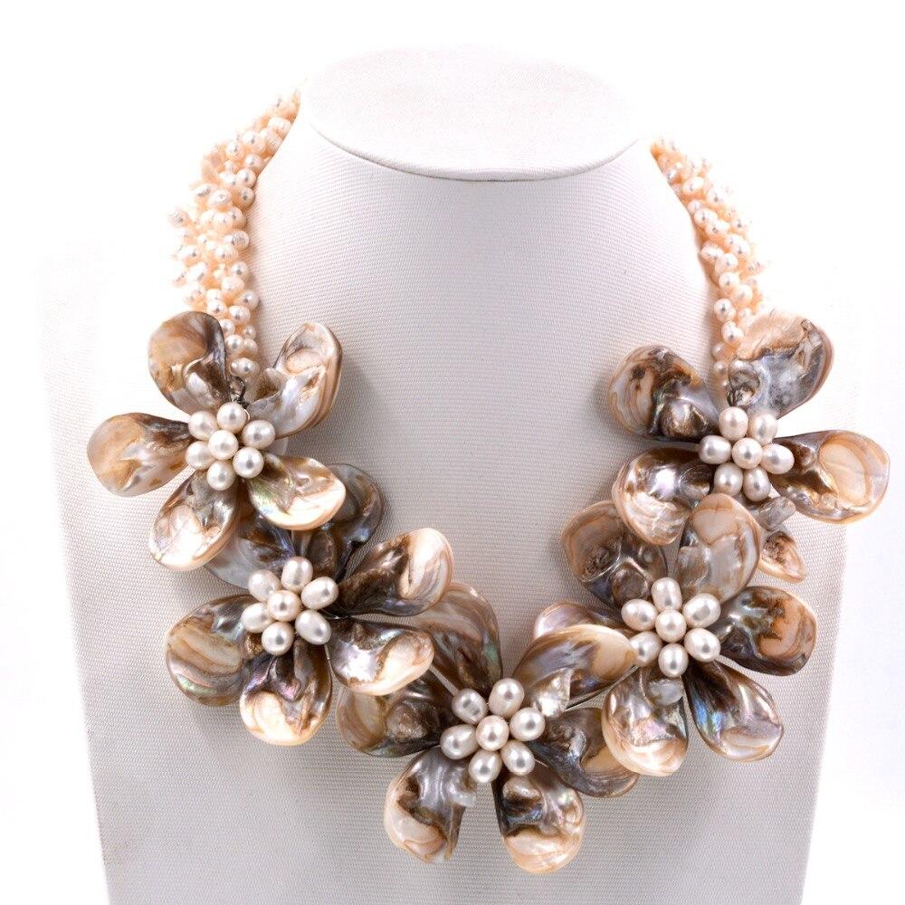 Mode femmes bijoux Beige nacre blanche perles d'eau douce fleur collier ras du cou nouveaux bijoux robe accessoires
