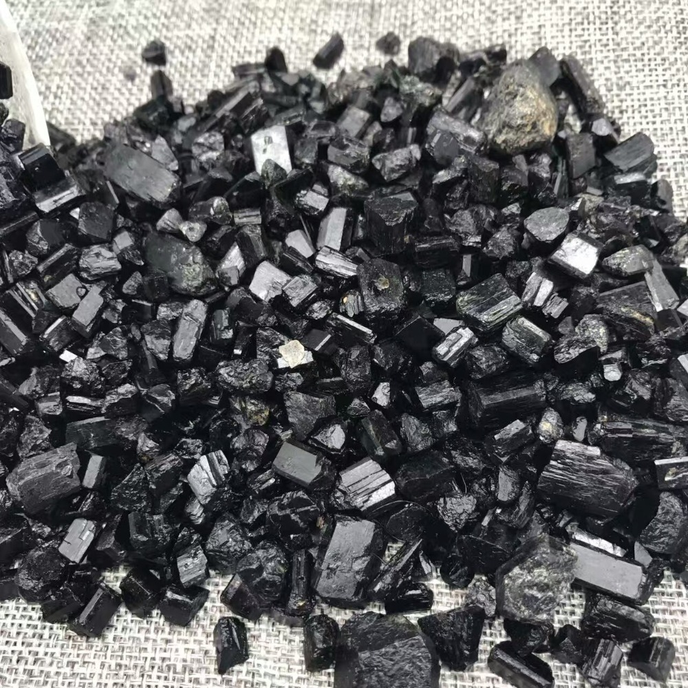 Natural Purify Water Black Tourmaline Crystal Rough Stone Rock Mineral Specimen Planting Aquarium Fish Tank Decor Stone Crafts