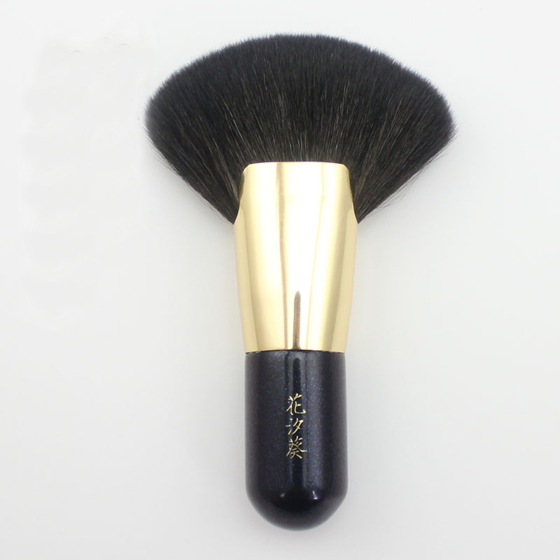 ST01 Professional Makeup Brush Black Short Handle Design Make Up Brush Soft Goat Hair Large Fan Powder Makeup Brushes new arrival make up professional brand luxury classic wood handle wavy hair lightweight no 130 large dome shaped powder brush