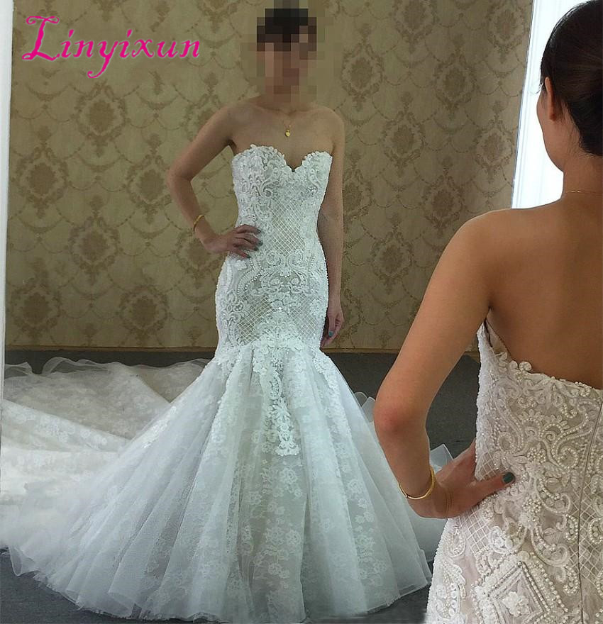2018 Sweetheart Neckline Lace Appliques Sexy Mermaid Wedding Dresses Sleeveless Cathedral Train Beading Hot Sale Bridal Dress