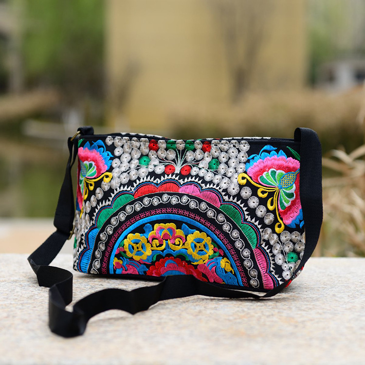 Women Handbag National Ethnic Embroidery Bags New Women's One Shoudler Bag Vintage Double Side Embroidered Messenger Small Bags 3