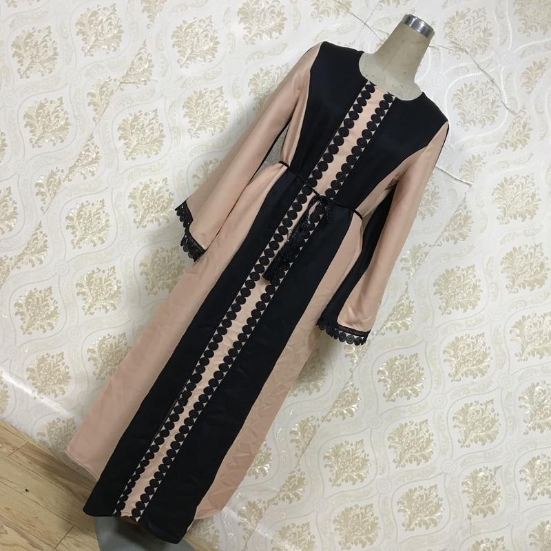 Factory direct f8849-2 Muslim embroidered Abaya dress elegant lace fashion dress sells well