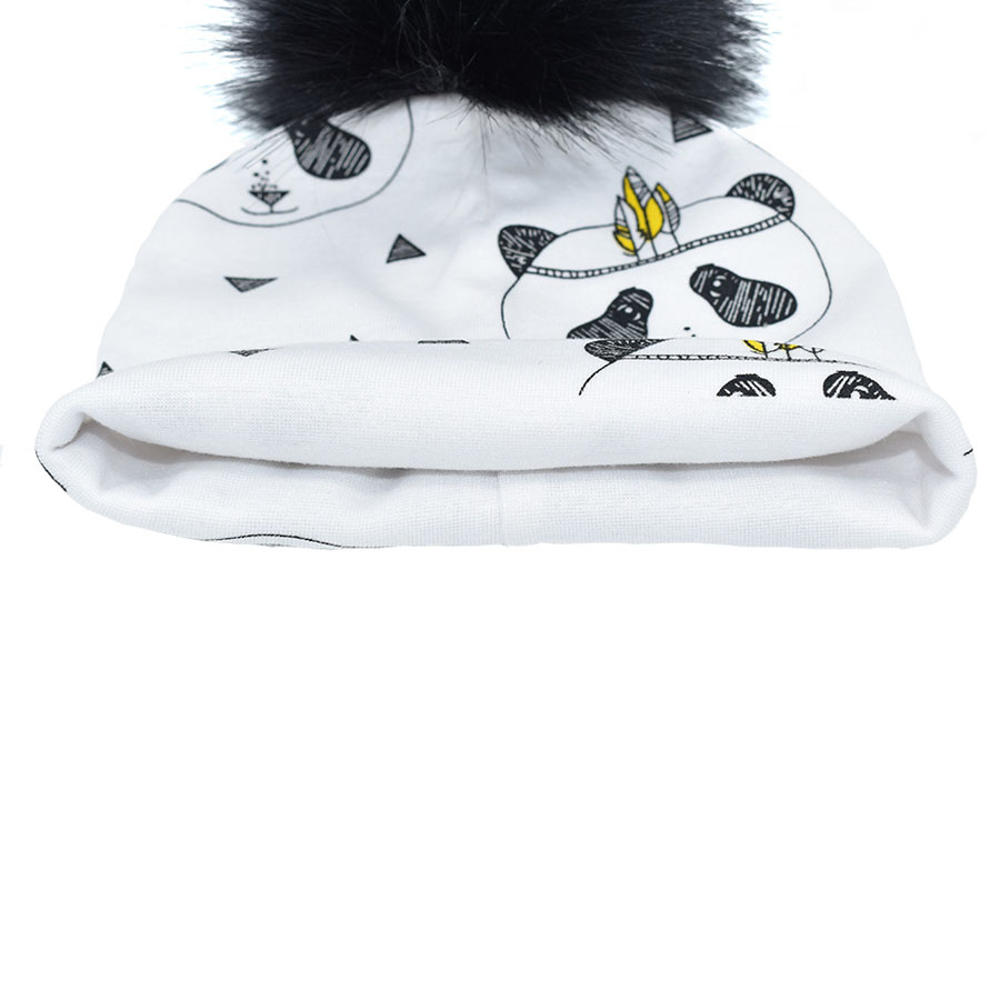 30a9ab8a5f4 2018 baby new hats 0 4 years old animal Pattern Design cotton skullies  children cute beanies large mink pompom gorros hat-in Skullies   Beanies  from Apparel ...