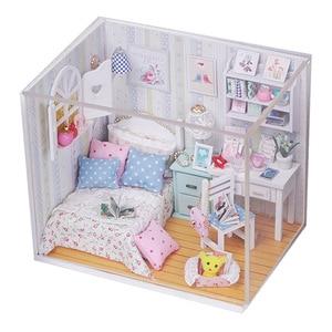 Image 3 - Kit de casa de muñecas de madera en miniatura de cama con luz Led, muebles con cubierta antipolvo, para regalo, miniaturas, gran oferta
