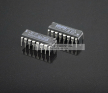 2018 hot sale 20pcs New original imported licensed PCM1702PK fever audio DAC decoder chip K-class DIP16 package free shipping