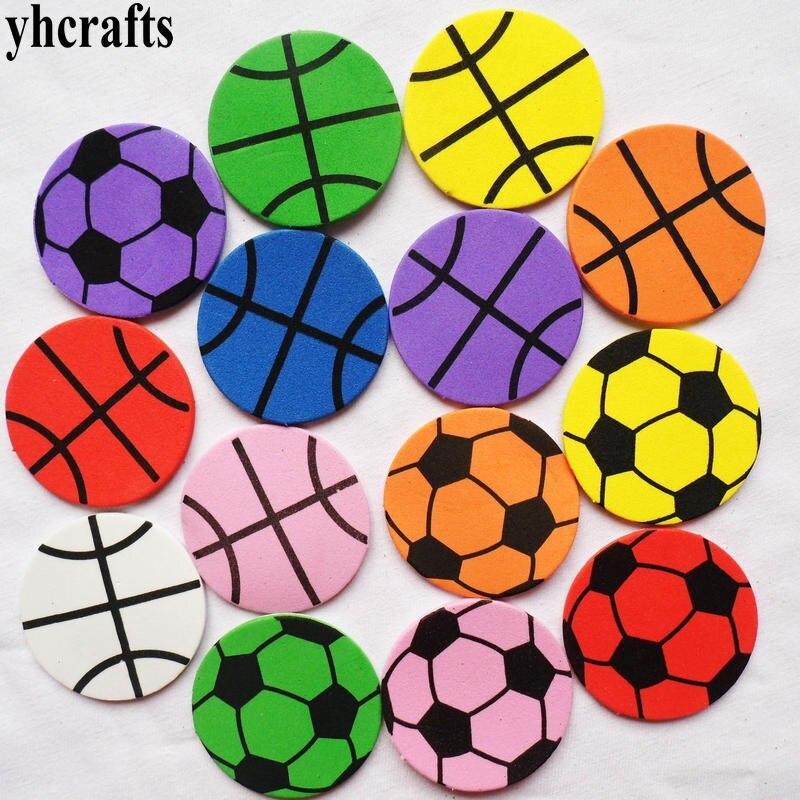 340 Pièces (10 Sacs)/lot Ballon De Football Mousse Autocollant Maternelle Décoration Cadeaux D'anniversaire Faveur Artisanat Jouets