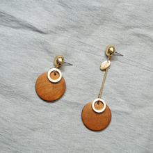 Street snap style earrings temperament retro geometric joining together the red wood square personality exquisite