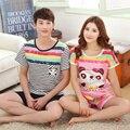 Encantador de la historieta modal pijamas de las mujeres pijamas de verano de manga corta para amores colored stripes shorts hombres ropa de noche del traje del chándal