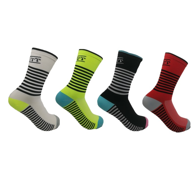 1pairs brand Men s Cycling sports Basketball socks Protect feet breathable wicking socks cycling socks Bicycles