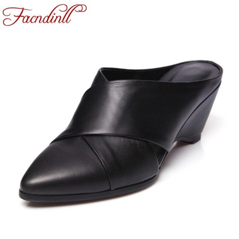 Sandales d'été dames tenue décontractée chaussures 2018 femmes compensées talons hauts en cuir véritable sandales sexy bout pointu marque pantoufles