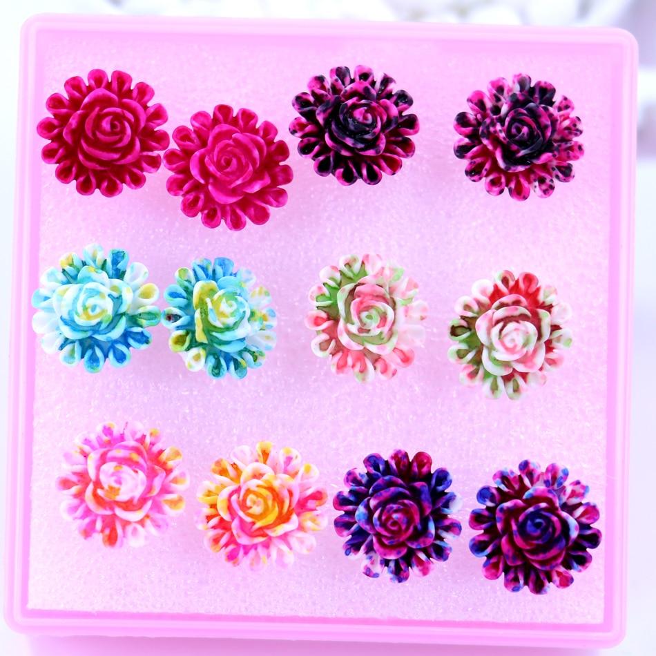 Fabriek Groothandel En Detailhandel Goedkope 14mm Resin Kleurrijke Plastic Rose Bloem Anti-allergie Dames Stud Oorbellen 6 Pairs Pack Knappe Verschijning