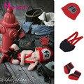 Красный Микс Черный Ребенок Пожарный Костюм Младенца Вязания Крючком Пожарный Наряды Для Фото Младенческой Мальчиков Младенца Вязания Крючком Фотография Реквизит MZS-16080
