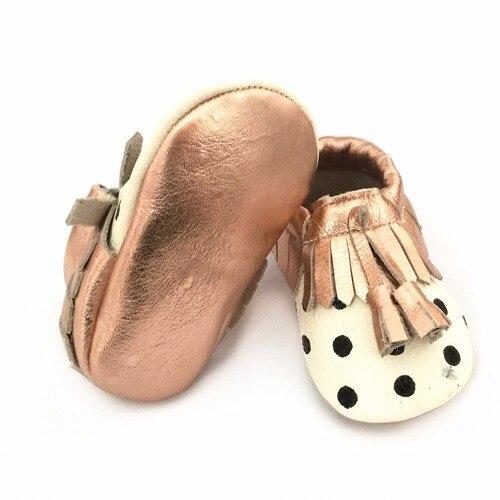 Горячее надувательство Натуральной Кожи Детские Мокасины Обувь золото sole черный горошек Новорожденных девочек мальчиков Обувь Новорожденные первые ходунки обувь