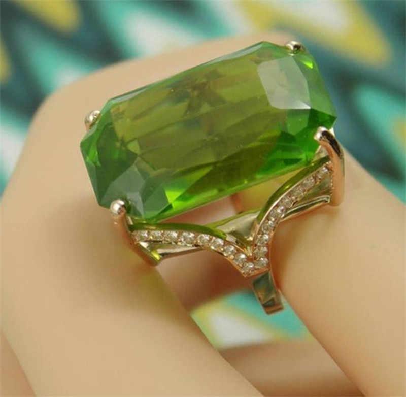 Классическое кольцо с кристаллами циркония большой зеленый цирконий квадратной огранки проложили женские украшения для невесты свадьба; вечеринка платье