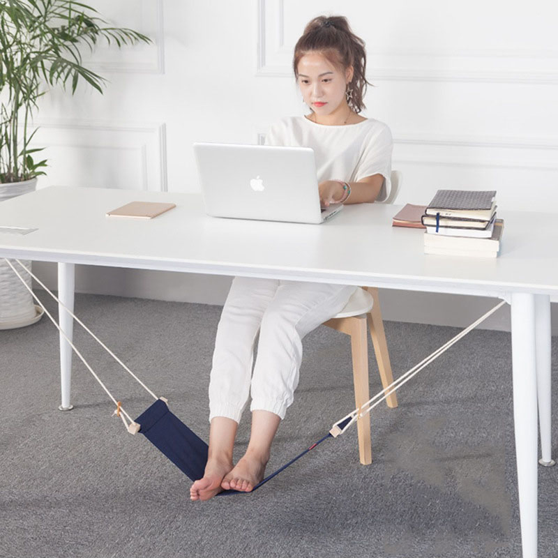 ARRIES Creative foot hammock lazy person magical desk rests a foot to put foot swing joistARRIES Creative foot hammock lazy person magical desk rests a foot to put foot swing joist