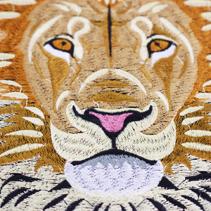 Image 2 - 10 peças leão bordado ferro em remendos de volta bordado applique reparação emblemas para roupas adesivo acessórios costura th1256