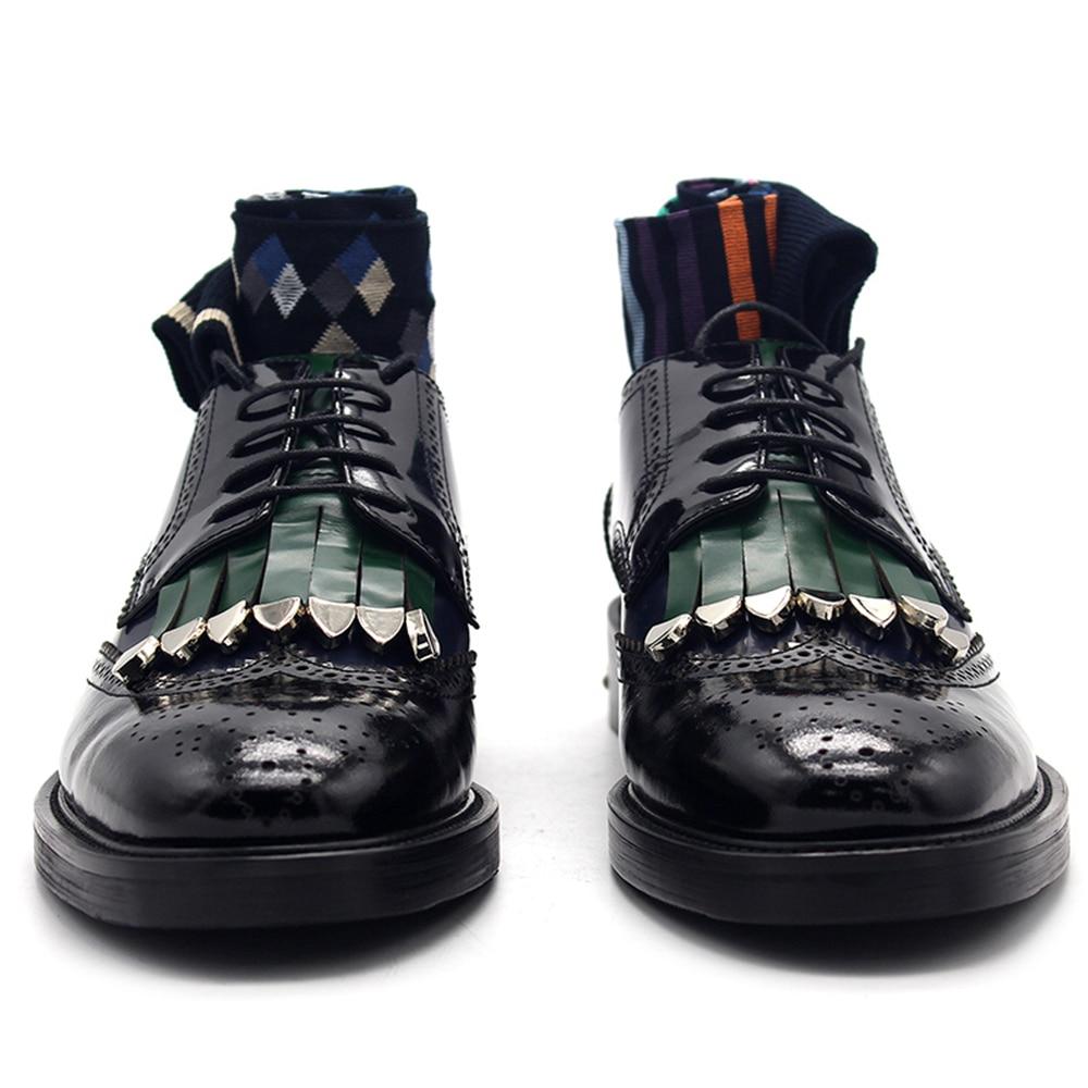 2018 Новый broch кожаные туфли хит цвет Дерби резные кисточкой из металла Британский галстук мужские туфли