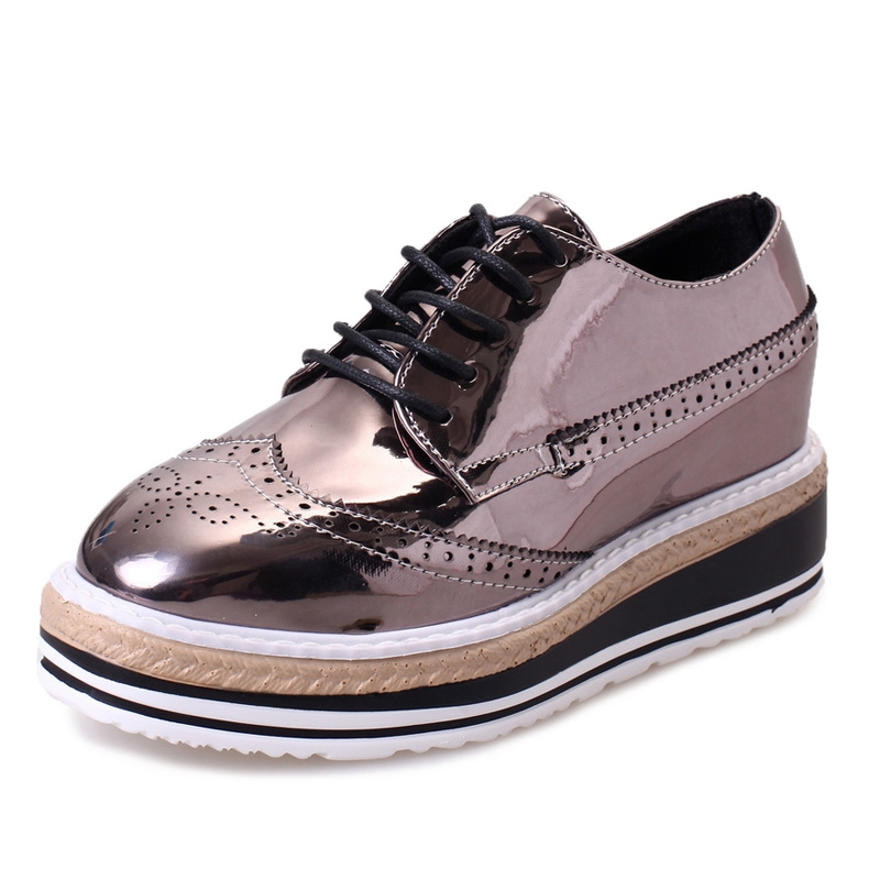Patent Leather Women Oxfords 2016 Platform Shoes Woman Spring Creepers Autumn Flats Casual Lace-Up Women Brogue Shoes XWD3118 qmn women crystal embellished natural suede brogue shoes women square toe platform oxfords shoes woman genuine leather flats