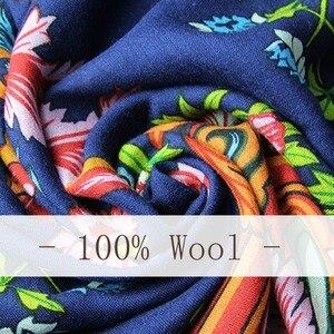 Image 5 - 2019 Wol Vierkante Hoofd Sjaals Vrouwen Elegante Dame Carf En Warme Sjaal Lange Animal Print Stola Bandana Sjaal Hijab Strand deken