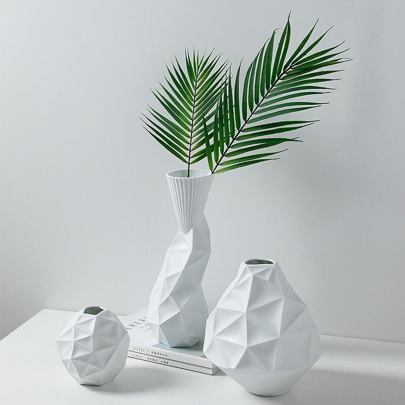 Europe minimalist Geometric irregular Ceramic vase White art And Crafts Decor Porcelain Flower Vase Creative Gift Home Decoratio