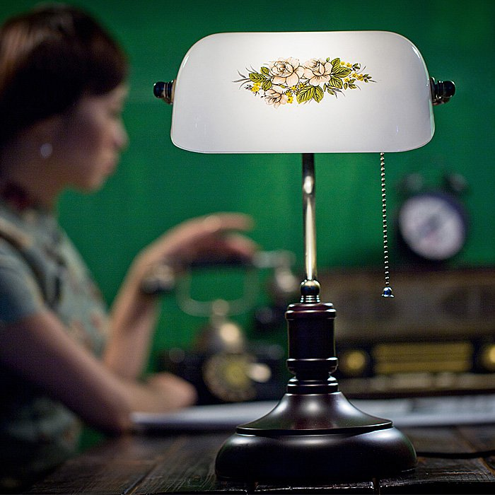 Китайский Стиль Ретро Bedroon ностальгия настольная лампа творческий исследование Спальня прикроватной тумбочке Стекло Настольные светильни...