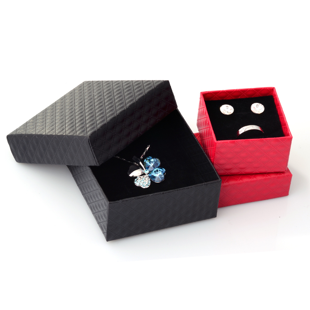 Square Jewelry Box Necklaces Earrings Bracelets Organizer Boxes Gift Packing Engagement Ring Display Black White Red Wholesale