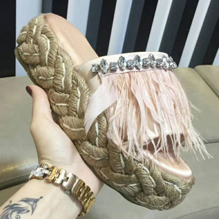 2019 New Summer Woman Slippers Feather Crystal Decor Fisherman Sandals Weave Flat Heel Tassel Rhinestone Chic Star Slides Shoes2019 New Summer Woman Slippers Feather Crystal Decor Fisherman Sandals Weave Flat Heel Tassel Rhinestone Chic Star Slides Shoes