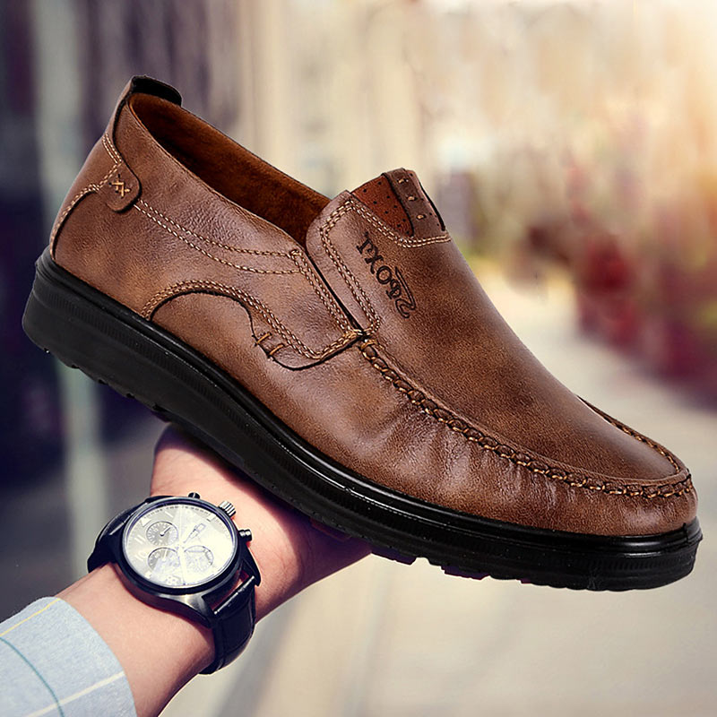 Men Flats Shoes Summer Breathable Casual Shoes Men Loafers Slip On Driving Shoes Chaussure Homme Plus Size 38-47 Brown Black