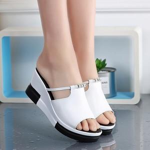 Image 4 - Donne di estate della piattaforma pantofole scivoli sandali Scarpe donna slip on Open Toe flip flop bianco genuino zeppa in pelle sandali Da Spiaggia