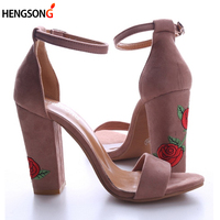2017 New Fashion Faux Suede Women Sandals Embroider High Heel Women Sandals Ethnic Floral Party Shoes