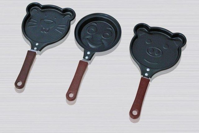 5pcs/lot Free Shipping Frying Pan, Mini lovely Shaped Egg Fry pan, Non-Stick,smile face shape pan super price