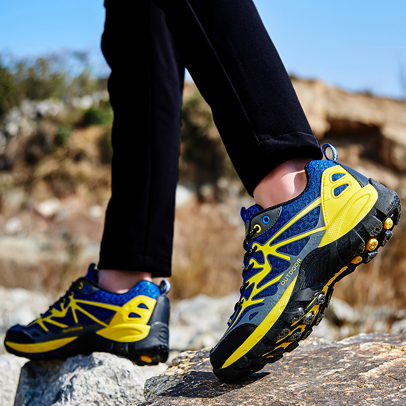 SOCONE Breathatble Men Hiking Shoes Outdoor Walking Sneakers Men Moutain Trekking Shoes Light Sports Shoes Non-Slip Camping Shoe