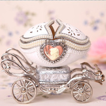 The Russian royal carriage egg music box jewelry box birthday friendship wedding gift