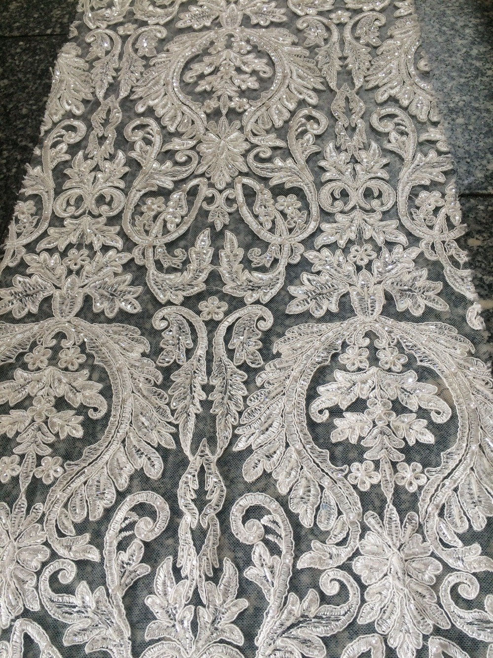 Z han32119 Free shipping nice African nigerian lace fabric 5yards/lot for party & wedding dress-in Lace from Home & Garden    1
