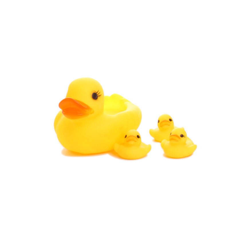 Swimming duck(A big duck + three little ducks), gently pinch will sound, exercise baby grasp the ability,The best water toys image