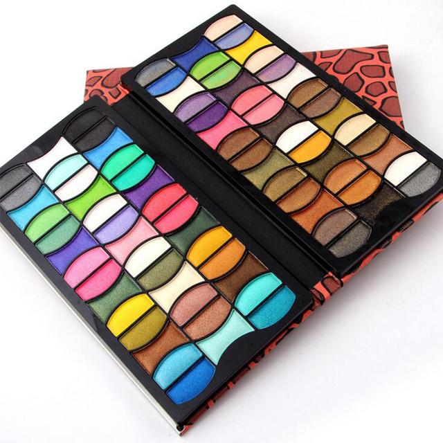 Leopardo de la manera de LA PU de Cuero 82 Colores Pretty Women Cosméticos Paleta de Sombra de ojos Shimmer Eye shadow Palette Make Up Kit 2017 Nuevo